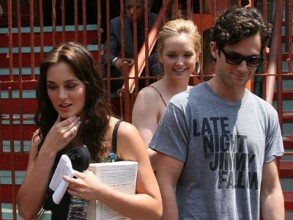 Leighton Meester and Penn Badgley | On Set Filming Gossip Girl | Pictures | Photos | New