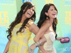 Demi Lovato and Selena Gomez | Teen Choice Awards | Pictures | Photos | New